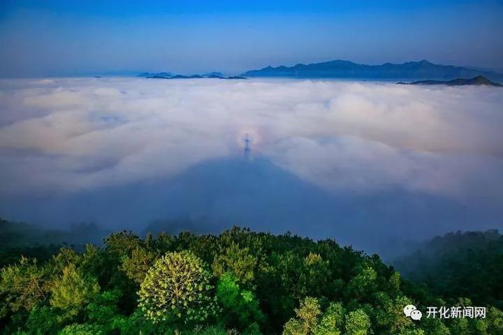 华埠的白天风景图片