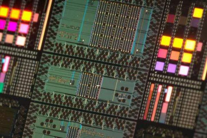 """阿里研制出全球最强量子电路模拟器""""太章"""""""
