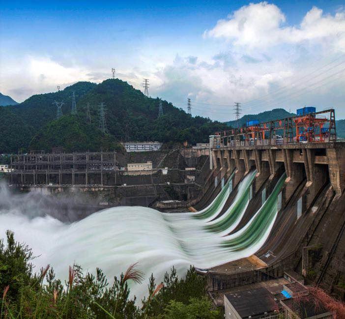 专家来支招 在第十八届中国·17℃建德新安江旅游节上,中国科学院院士