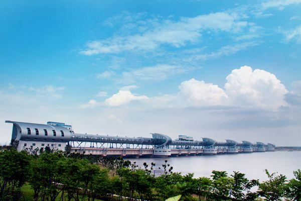 三江闸在绍兴水利史上具有重要而特殊的地位.
