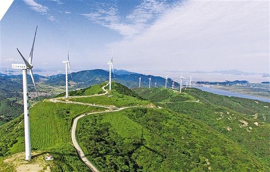 浙江乡村发挥生态自然资源优势,在发展清洁能源的同时,打造精品旅游线