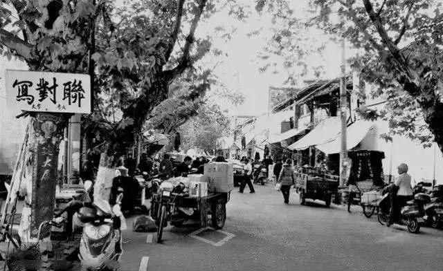 一座城市的历史都深深的藏在老街巷里,作为衢州最能体现古城风貌的