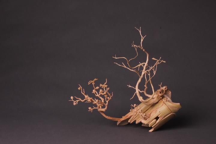 东阳 > 竹上生花 裂变邀神 周桂新竹根雕艺术展在杭州举行  雕,从来是