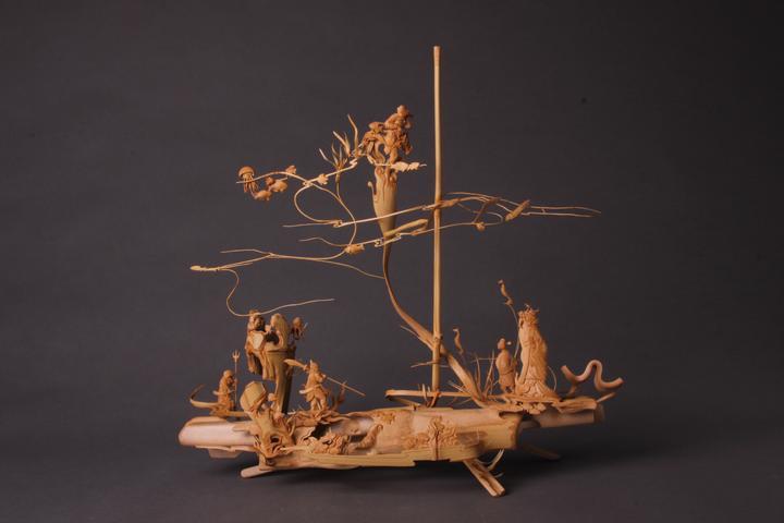 竹上生花裂变邀神 周桂新竹根雕艺术展在杭州举行
