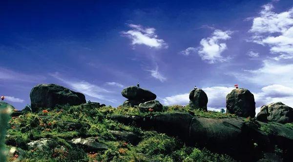 山的故事 玉苍山风景名胜区以日出,云海,奇石为三绝.