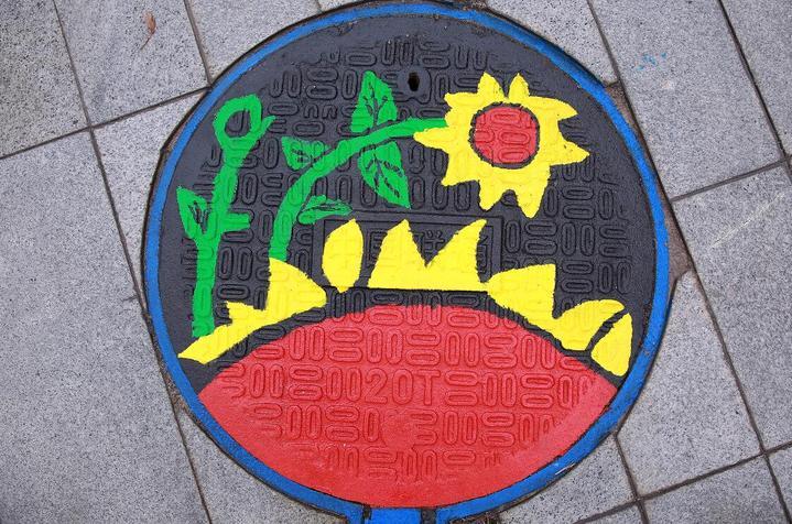 东阳:创意井盖 助力全国文明城市创建