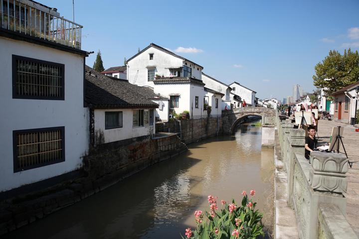 官河从古镇穿行而过.城腾冲别墅房价世纪图片