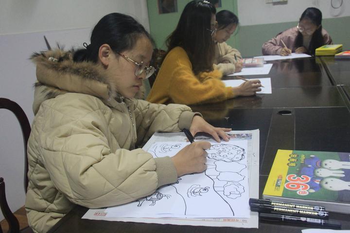 横店集团幼儿园举行教师美术绘画比赛