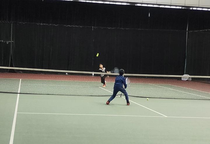 这场资源体育办力量的青少年网球赛打出了ATv资源的目的百度民间图片