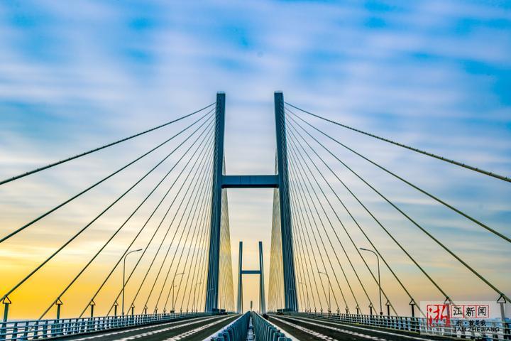 浙江沿海高速公路象山至乐清段正式通车