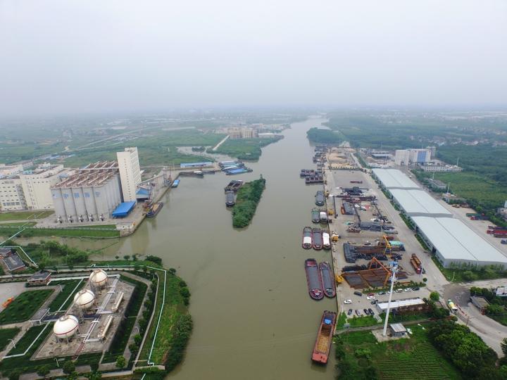 城东作业区-全省首个散货类五星级码头 濮潇斐.JPG