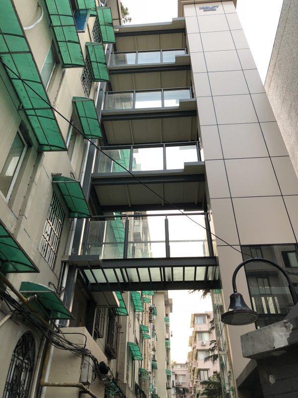 新民村2幢1单元连廊式电梯.jpg