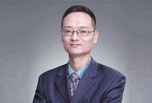 """一天大卖700亿!""""陈光明+傅鹏博""""助睿远首只公募产品成最牛网红"""