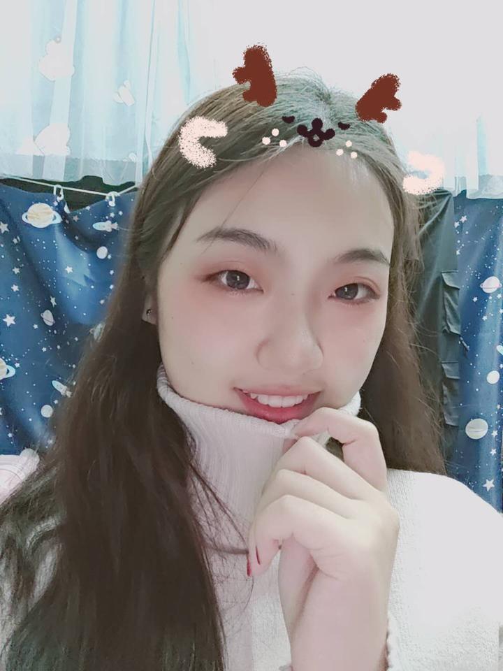 陈涵欣(文化艺术学院).jpg