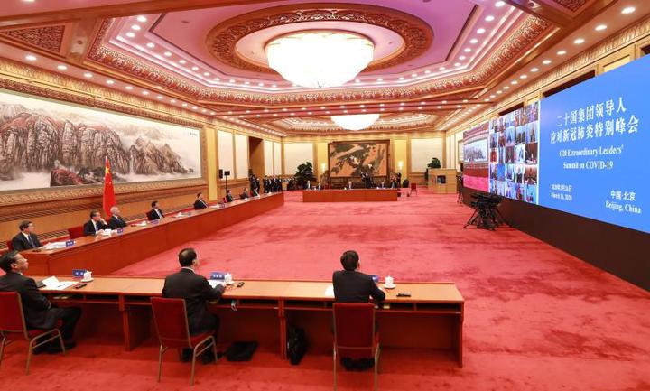 3月26日,习近平在北京出席二十国集团领导人应对新冠肺炎特别峰会并发表题为《携手抗疫 共克时艰》的重要讲话。