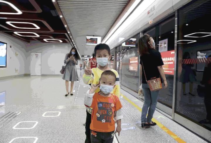 地铁站333.jpeg