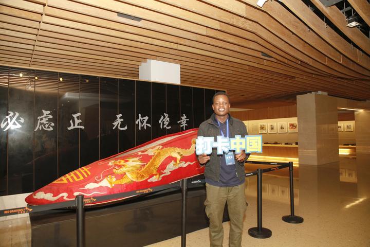 网络国际传播达人参观中国鞋文化博物馆 (3).jpg