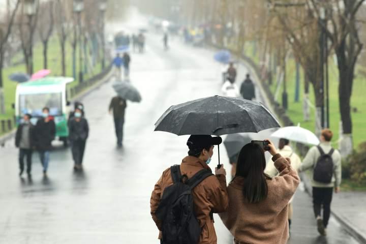 晴久杭城雨水如甘霖(里尔摄影)3.jpg