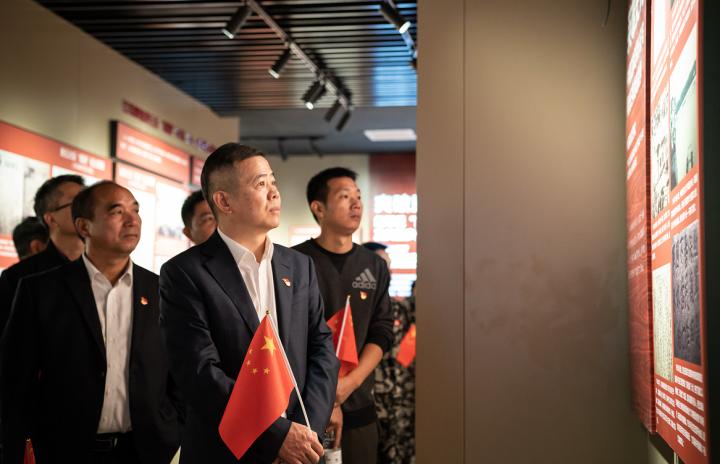 苏尚州学习红十三军革命历史.png