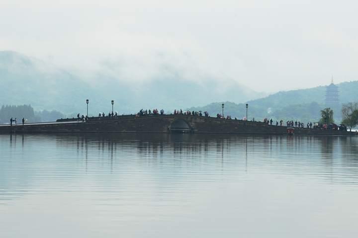 雨雾西湖亦梦幻(里尔摄影)3.jpg