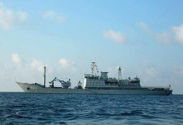 """中国海军""""永兴岛""""号远洋打捞救生船 资料图"""